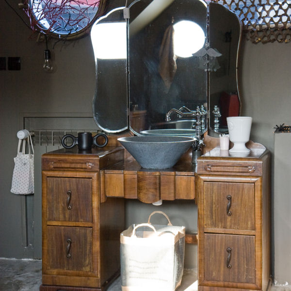 Meuble de salle de bain diy for Meubles pour salle de bain