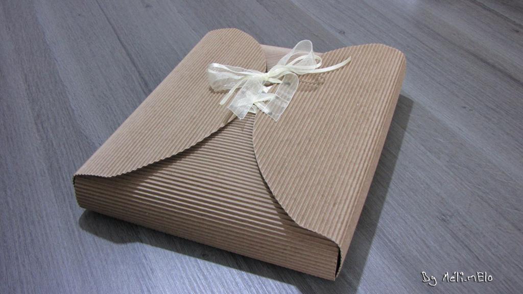 des paquets cadeaux diy pour no l. Black Bedroom Furniture Sets. Home Design Ideas
