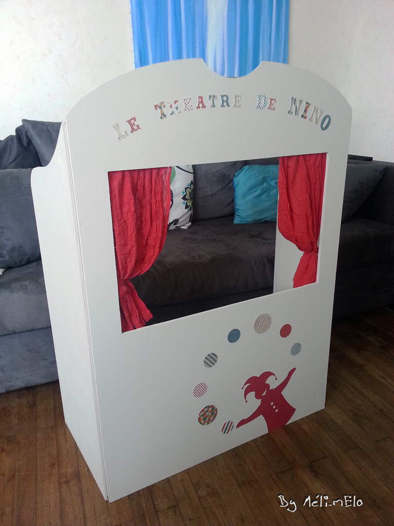 diy th tre de marionnettes en carton. Black Bedroom Furniture Sets. Home Design Ideas
