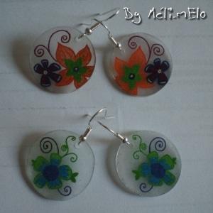 Boucles d'oreille en plastique dingue aux motifs floraux pour l'été.