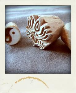 tampons en bois sculpté