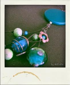 Collier vert, bleu et cuivre