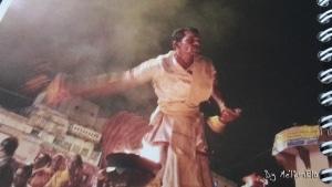 Benares_cérémonie sur le Gange